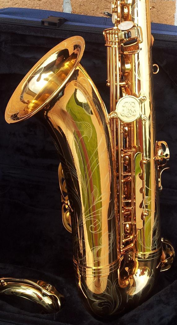 mon saxophone t nor buffet crampon s rie 400 verni gold grav. Black Bedroom Furniture Sets. Home Design Ideas